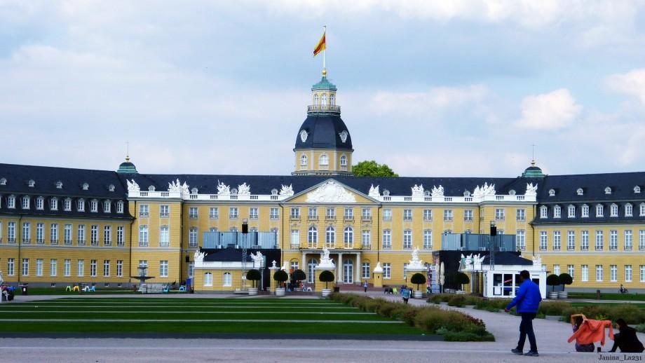 Das Karlsruher Schloss | Reisen